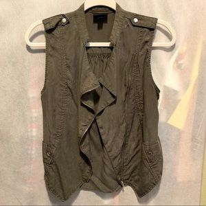 Distressed waterfall zip up vest. Olive green
